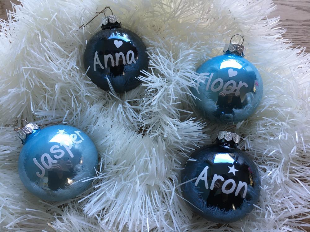 Naamsticker voor Kerstballen Strak